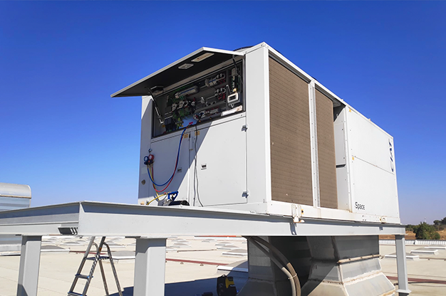 reparación de máquina de aire acondicionado de Bricomart