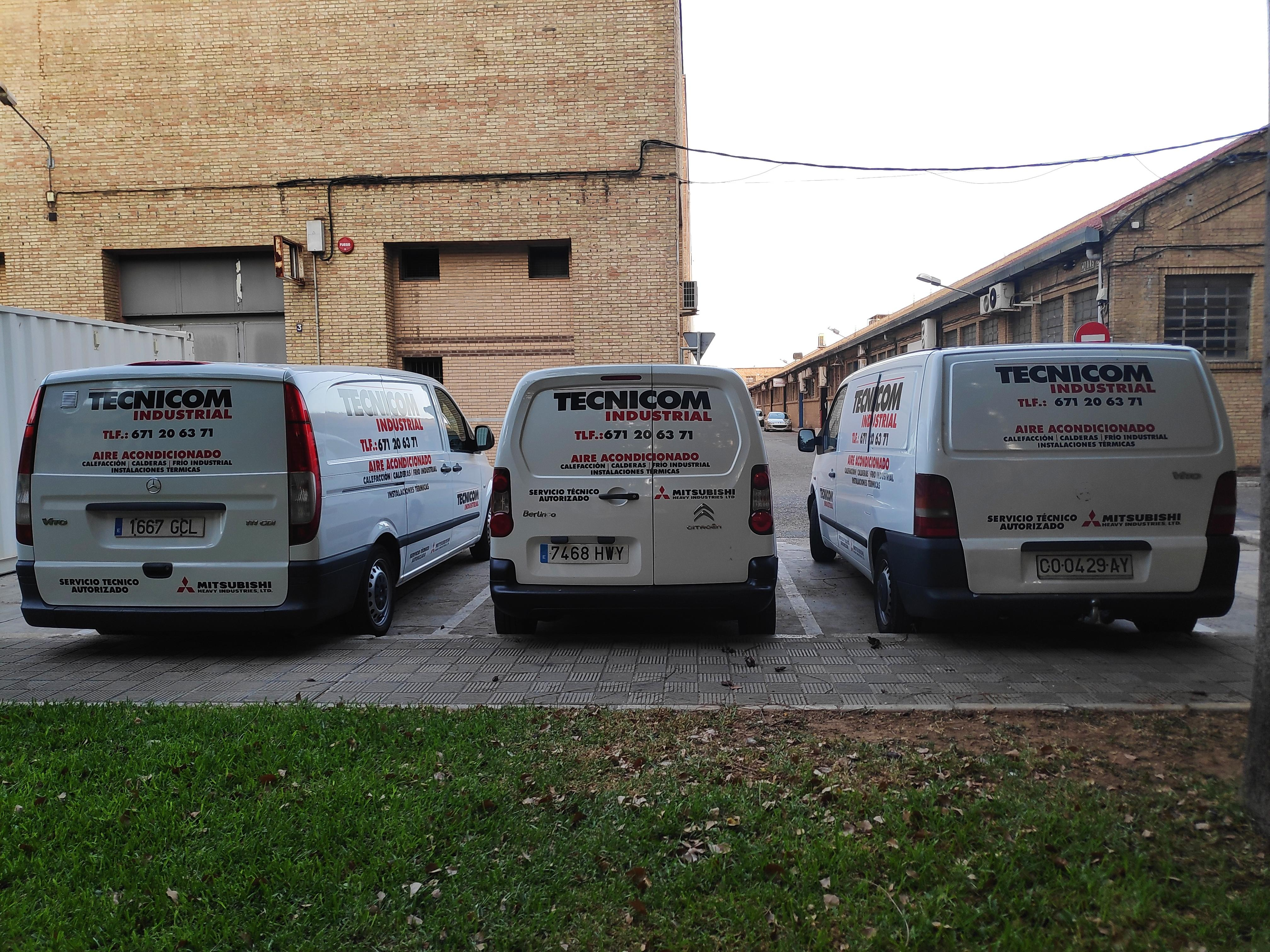 Nuestros vehículos ya están listos, nuestro equipo está preparado, herramientas revisadas, ¿está preparado tu aire acondicionado en Sevilla? ¡Nosotros lo estamos!